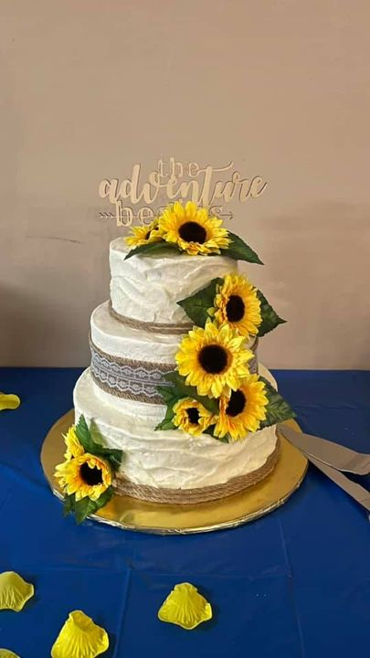 Congrats to my beautiful niece Alisha and her new hubby Will! Did this wedding cake as a wedding gift to them, for their...