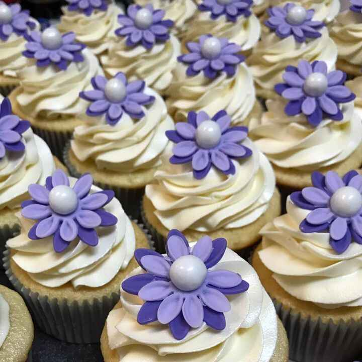 It's a girl!!  Baby shower cupcakes for someone special.#cupcakes #purple #blissbylisa #babyshower